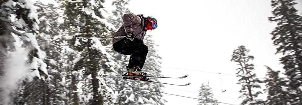 Ski & Snowboard Club - Ski Jump