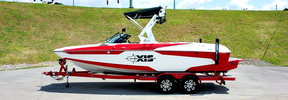 Waterski & Wakesports Club Boat
